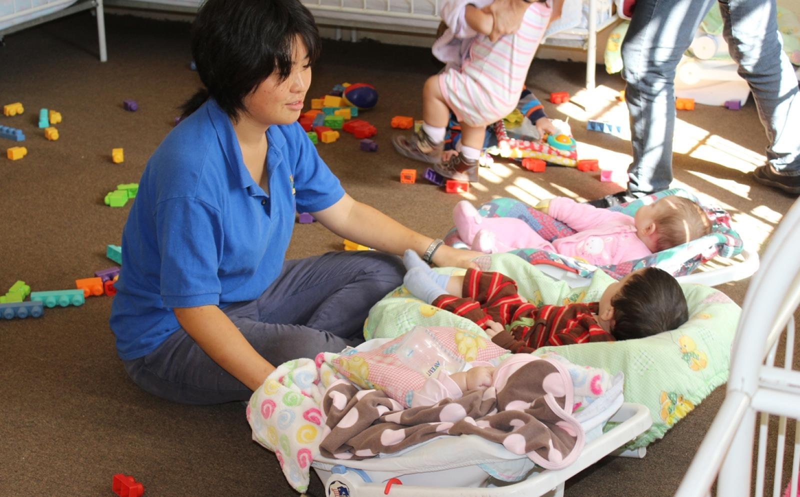 日本人ボランティアがメキシコでチャイルドケアに取り組む